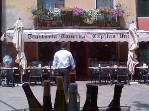 Taverna capitan-uncino-da fuori